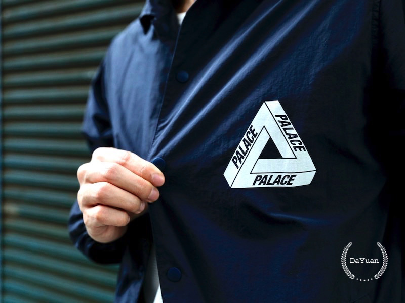 [穿搭] Palace 品牌介紹&Coach Jacket Navy 防水教練外套分享