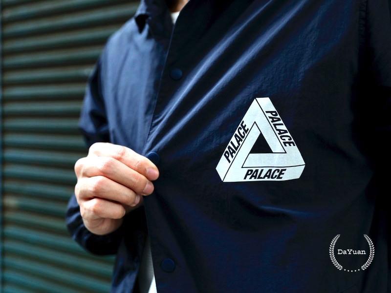 [穿搭] Palace 品牌介紹&Coach Jacket Navy 防水教練外套分享