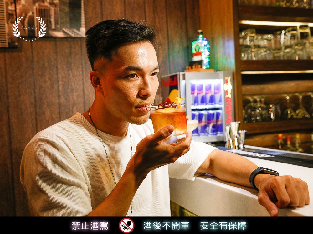 [小酌] 高雄超適合帶妹來的無菸酒吧 Mr.TK 乾燥花Bar