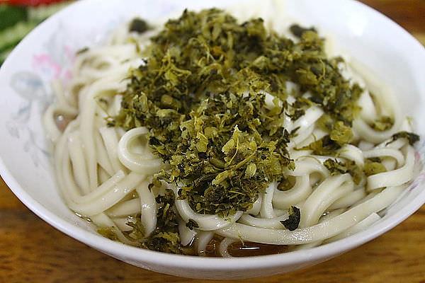 台北西門町 萬國酸菜麵 在地50年老麵店 (2013/5更新)