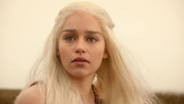 of-thrones-white-hair-emilia-clarke-daenerys-targaryen-house