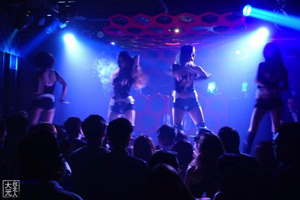 台北 Vogas夜店