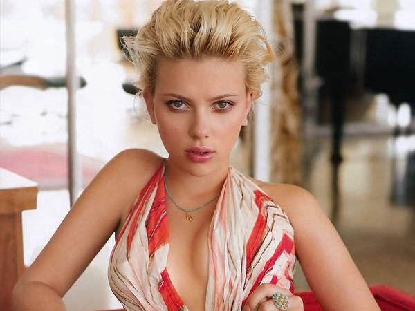 Scarlett-Johansson-5