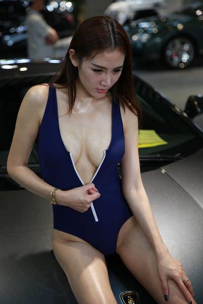 深V高叉泳裝